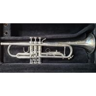 Used Bach Trumpet TR200 SN: 521580